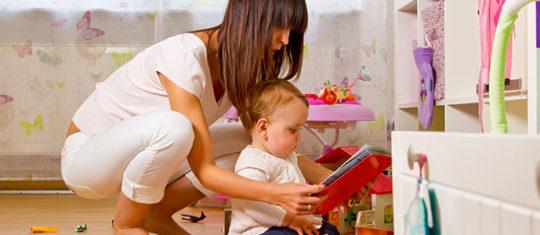 les avantages du baby-sitting a domicile