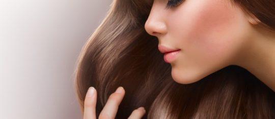 Les vertus sur la peau et les cheveux de l'huile de Monoi